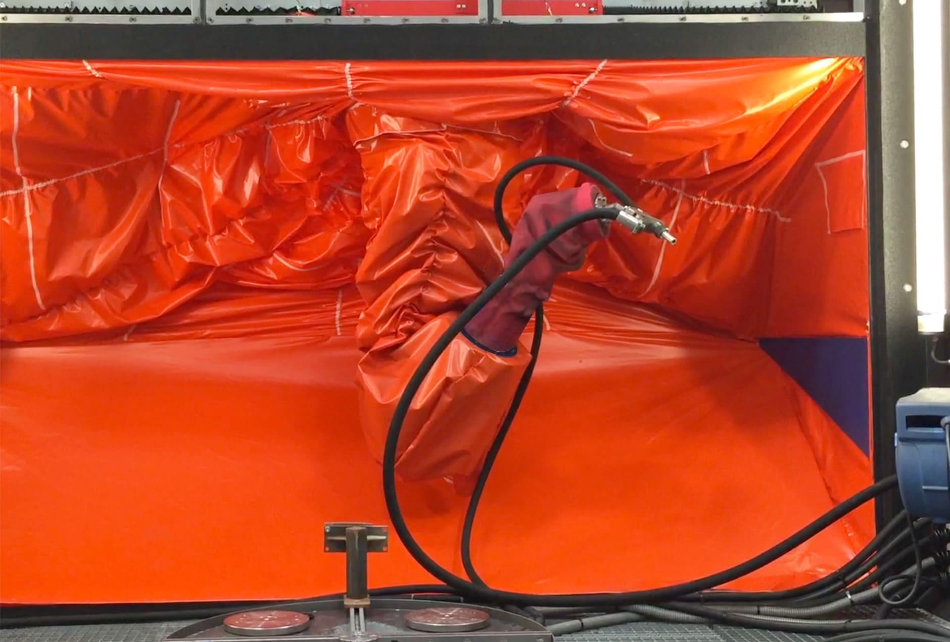 Oberflächenbehandlung Kugelstrahlen Roboter